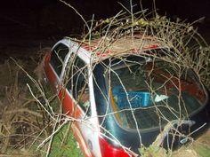 halvosso abandoned car
