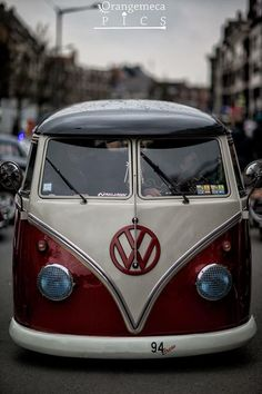 Welcome to Euro Minions, home of the best euro cars on the scene! We're a UK based team with an appreciation for European cars. Old Vintage Cars, Vintage Trucks, Antique Cars, Armadura Do Batman, Kombi Hippie, Vw Samba Bus, Combi T2, Combi Split, Vw Mk1