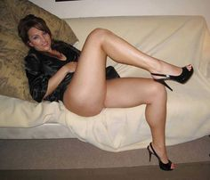 CECILE: Sexy milf jolies cuisses