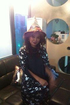 Jang Geun Suk's mom ^^ Kpop Halloween Costume, Young Family, Prince, Mom, Hats, Fashion, Moda, Hat, Fashion Styles