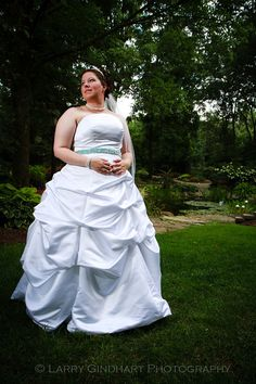 Robin and Josh at Avon Gardens - Indianapolis Wedding Photography - Event and Headshot Photographer - Portraits and Glamour - Larry Gindhart...