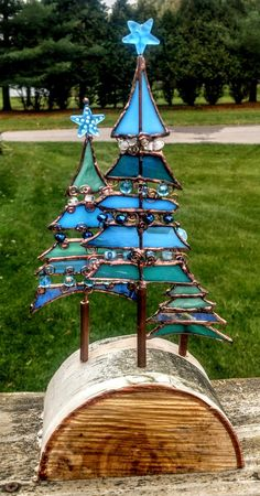 Christmas At The Beach - Delphi Artist Gallery Sea Glass Crafts, Stained Glass Designs, Stained Glass Panels, Stained Glass Projects, Stained Glass Patterns, Leaded Glass, Stained Glass Art, Mosaic Glass, Fused Glass