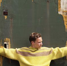 finn cole for boys by girls Finn Cole, Joe Cole, Peaky Blinders Actors, Stranger Things Natalia Dyer, Animal Kingdom Tnt, Alfie Solomons, Girls Magazine, Man Crush Everyday, Famous Men