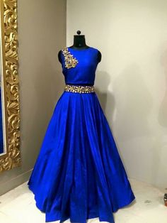 trendy Ideas for dress largos azul Indian Gowns Dresses, Indian Outfits, Bridal Dresses, Gypsy Fashion, Indian Fashion, Hijab Fashion, Fashion Clothes, Fashion Dresses, Mode Bollywood
