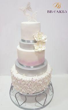 BBCAKES Tort Nunta Oana Timisoara Dumbravita wedding cake alb roz argiuntiu romantic finut cofetarie Wedding Cakes, Tasty, Romantic, Desserts, Wedding Gown Cakes, Tailgate Desserts, Deserts, Cake Wedding, Postres