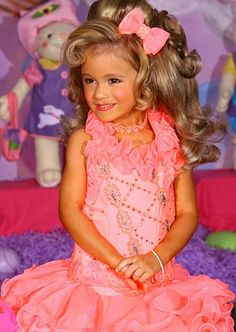 Shining Stars of Toddlers & Tiaras Photo Gallery: Toddlers & Tiaras: TLC carly