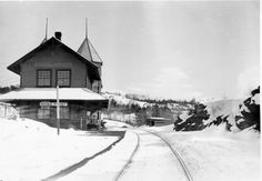 Mail for Parry Sound was dropped off here until when a station was built in town. The Rose Point Station was the last stop west before Depot Harbour. Ontario, Ottawa Valley, Canada, Landscape Photos, Architecture, Train Stations, Vintage Photos, Cool Pictures, Scenery