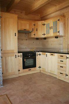 Kitchen Units, Rustic Kitchen Cabinets, Kitchen Reno, Diy Kitchen, Kitchen Remodel, Pallet Furniture, Kitchen Furniture, Hickory Cabinets, Pine Cabinets