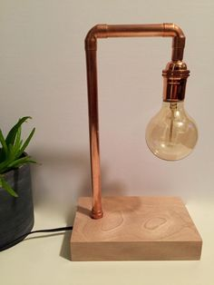 Pipe lamp – Eclectic Home Decor Today Copper Lamps, Copper Lighting, Wood Lamps, Industrial Lamps, Diy Table Lamps, Industrial Furniture, Vintage Industrial, Copper Floor Lamp, Lampe Tube