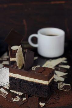 Pasiune pentru bucatarie: Devil's food cake cu mousse de cafea si cremeux de…