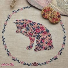 Крестики без ноликов.: Кошка и розы / Cat and roses.