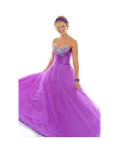 Shop eye-catching Elegant Prom Dresses at KissyDress online.Pick up this unique Tulle Elegant Ball Gown Sweetheart Sleeveless Long Prom Dress at affordable price. Purple Quinceanera Dresses, Robes Quinceanera, Ball Gown Dresses, 15 Dresses, Cute Dresses, Elegant Ball Gowns, Elegant Prom Dresses, Mode Purple, Prom Dress 2013