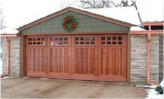 http://www.entrydoorwithsidelights.com/carriage-house-garage-door/ Carriage House Garage Door ICD 2