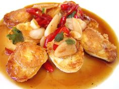 Thai spicy-caramelized-eggs 7 Quail Eggs Oil for Frying 3 Red Chillis 2 Garlic Cloves 1 Teaspoon Chopped Coriander Leaves 1 Tablespoon Chopped Onion 2 Tablespoons Light Soy Sauce 2 Tablespoons Fish Sauce 1 Tablespoon Vinegar 1 Tablespoon Sugar