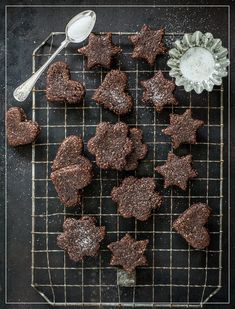 Try Brunsli by FOOBY now. Or discover other delicious recipes from our category Baking sweet. Xmas Food, Christmas Baking, Chocolate Cookies, Melting Chocolate, Baking Recipes, Great Recipes, Xmas Recipes, Cocoa Cinnamon, Xmas