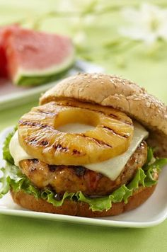 Teriyaki pineapple turkey burgers The most beautiful, most delicious, newest recipes on this page. Turkey Burger Recipes, Ground Turkey Recipes, Chicken Recipes, Ground Turkey Burgers, Hamburger Recipes, New Recipes, Cooking Recipes, Favorite Recipes, Healthy Recipes