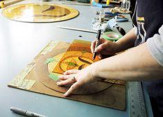 Création d'un vitrail #forge #design #wood #bois #acier #steel #atelier #workshop #hand #made  #glass #verre