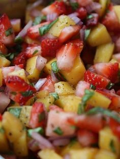 Strawberry Mango Salsa ~serve with cinnamon pita chips ~ Cup Strawberries, finely diced Cup Mangos, finely diced Cup Red Onion, finely chopped 6 Basil Leaves, finely chopped 1 TBSP Fresh Lemon Juice tsp. Food For Thought, Think Food, I Love Food, Healthy Snacks, Healthy Eating, Healthy Recipes, Clean Eating, Diabetic Recipes, Delicious Recipes