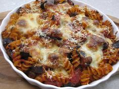 Pasta bake with tomato sauce and aubergines