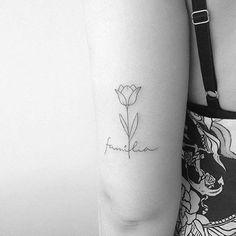 De las ideas mas originales para representar el cariño y afecto es con frases de familia para tatuar, la manera mas sencilla es utilizar la palabra familia
