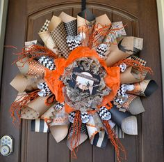 paper straw wreath | Creative Reader Projects No. 174: Halloween Crafts, Decor and Recipes