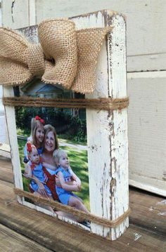 Frame will hold a or Vertical photo. Frames Are Distressed To Give Them A Rustic Look and Burlap Bow Adds The Perfect Touch Of Southern Farmhouse Charm! Twine Wrapped Around The Frame Holds The Photo In Place Woodworking Projects For Kids, Wood Projects, Craft Projects, Project Ideas, Woodworking Tools, Craft Ideas, Popular Woodworking, Burlap Crafts, Burlap Bows