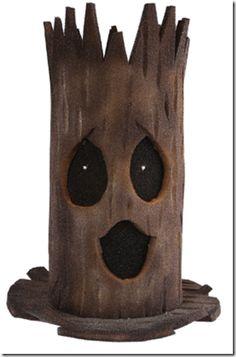 halloween hacer un sombrero de tronco de árbol - Disfraz ... Crazy Hat Day, Crazy Hats, Halloween Hats, Halloween Decorations, Hay Day, Diy Gift Box, Scooby Doo, Ideas Para Fiestas, Activities For Kids