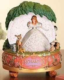 Welcome to the Collectors Guide to Disney Snowglobes. Information on over 2900 Disney snow globes. Walt Disney, Disney Love, Disney Music Box, Disney Figurines, Disney Statues, Disney Enchanted, Giselle Enchanted, Disney Snowglobes, Musical Snow Globes