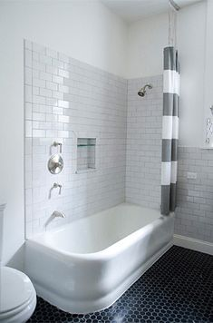 #interior #decor #styling #bathroom #scandinavian #black #grey #tiles #floor