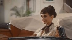 We've collected 68 of the BEST Audrey Hepburn Quotes available along with the best images we could find! I believe in pink quotes and other Audrey Quotes Audrey Hepburn Children, Audrey Hepburn Pictures, Audrey Hepburn Style, Jfk And Marilyn, Marilyn Monroe, Susan Strasberg, Galaxy Chocolate, Dove Chocolate, Pink Quotes