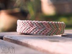 Bracelet d'amitié rose Chevron par Shedrem sur Etsy