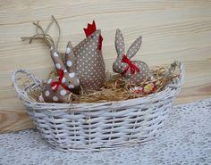 Jarní dekorace - slepička a 2 zajíčci / Zboží prodejce cherrie | Fler.cz Dollar Store Crafts, Diy Crafts To Sell, Dollar Stores, Easter Crafts, Christmas Crafts, Newspaper Crafts, Deco Floral, Wreath Crafts, Sewing Toys
