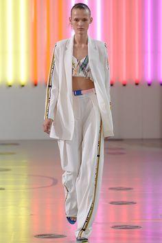 Preen by Thornton Bregazzi Spring 2015 Ready-to-Wear Fashion Show - Emma Oak