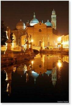 Padova, Prato della Valle by Night