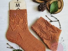 Носки спицами с узором из скрещенных петель | EasyKnit.ru Warm Socks, Knitting Socks, Stockings, Pattern, Sweaters, Fashion, Tricot, Knit Socks, Socks