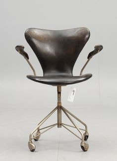 chair by Arne Jacobsen, 1956.....And more of these beautiful designs can be found here: http://www.pinterest.com/regiscariou/furniture/