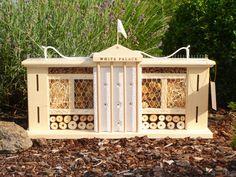 Luxus-Insektenhotel-' Weißer Palast'- Bausatz-Insektenhaus
