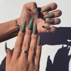 In look for some nail designs and ideas for your nails? Here is our listing of must-try coffin acrylic nails for cool women. Fall Nail Art Designs, Acrylic Nail Designs, Fall Acrylic Nails, Fall Nails, Summer Nails, Coffin Acrylic Nails Long, Nagel Bling, Seasonal Nails, Gray Nails