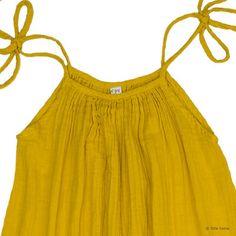 Commandez dès maintenant notre Robe Courte Mia Maman - jaune tournesol NUMERO 74. Collection de vêtements Numéro 74. Vêtements en gaze de coton N74. Robe d'été N74 femme ou jeune fille.