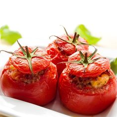 Fresh tomatoes are one of our favorite summertime ingredients. Make the most of them by cooking up one of these tasty tomato recipes for Meatless Monday. Fresh Tomato Recipes, Vegetable Recipes, Beefsteak Tomato, Carne Picada, Stuffing Recipes, Lunch To Go, Beef Steak, Organic Recipes, Stuffed Peppers