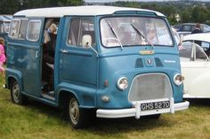 bleue avd Renault Estafette rhd 1966 reg