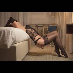 Kleine Rückenschule mit @abigailshootings  Ps: ich brauche ein Weitwinkel. #sensual #sensualphotography #hotelshooting  #stockings #nylonfeet #tfpshooting #tfpmodels #Lingerie Mehr auf http://instagr.am/marcusfotos_de