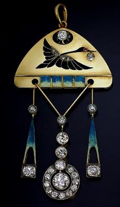Fabergé Art Nouveau pendant (somehow this has a very East-Asian feel to it...)