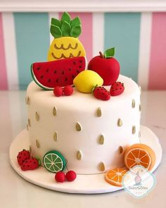 Fruit Party – Decoration Ideas and Tips - Obstkuchen Ideen Watermelon Cake, Watermelon Birthday, Professional Cake Decorating, Fruit Birthday Cake, Fruit Party, Savoury Cake, Themed Cakes, Beautiful Cakes, Eat Cake