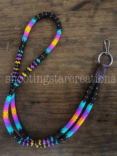 Beaded Earrings Native, Beaded Earrings Patterns, Beaded Jewelry, Beaded Necklace, Beaded Bracelets, Native Beading Patterns, Beadwork Designs, Beaded Lanyards, Bead Sewing