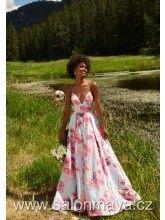 Šaty s velkými růžovými květy na ramínka, hluboký výstřih do V, výkroj vzadu, bohatá sukně.
