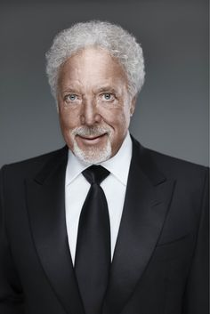 My recent portrait of Tom Jones @Matty Chuah Voice UK #thevoiceuk // by Ian Derry