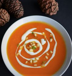 Healthy and easy creamed carrot soup recipe. Few ingredients - great taste! Turkish Recipes, Ethnic Recipes, Carrot Soup, Few Ingredients, Thai Red Curry, Soup Recipes, Carrots, Cream, Cooking