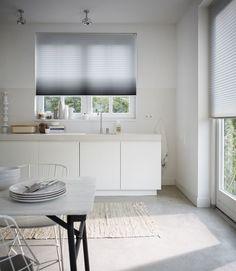 Mooi voor je #raam! #Luxaflex plissé shades in de #keuken. #inspiratie #interieur #wonen   http://www.decohome.nl/assortiment/raamdecoratie/plissegordijnen