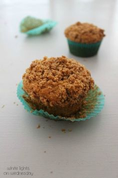 Biscoff Coffee Cake Muffins (cookie butter)- White Lights on Wednesday Biscoff Cookie Butter, Butter Cookies Recipe, Biscoff Cookies, No Bake Desserts, Delicious Desserts, Dessert Recipes, Brunch Recipes, Coffee Cake Muffins, Coffe Cake